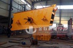 石料生产线设备发往重庆(反击式破碎机,圆振动筛)