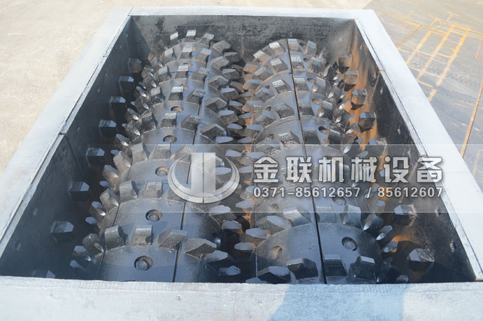 2PLF80/200强力fen级双chi辊破碎机fawang山dongzi博破碎煤炭2