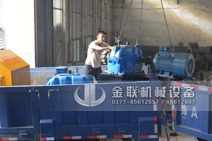 1208大型液ya对辊破sui机-对辊式zhi砂机发huo图片4